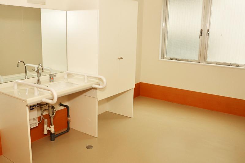 各室緊急コール、洗面及びトイレ完備